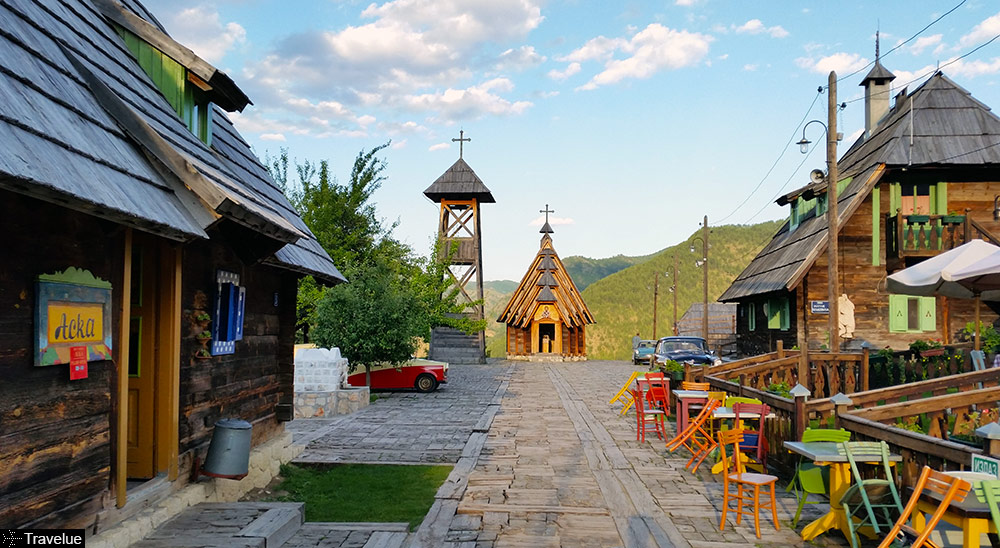 Drvengrad-Kusturica-traditional-ethno-village-featured